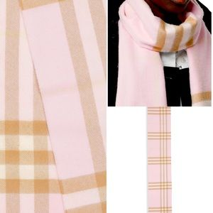 Burberry The Classic Check Cashmere Scarf 🧣